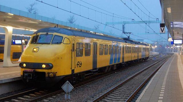 Сите возови во Холандија возат само на ветерна енергија