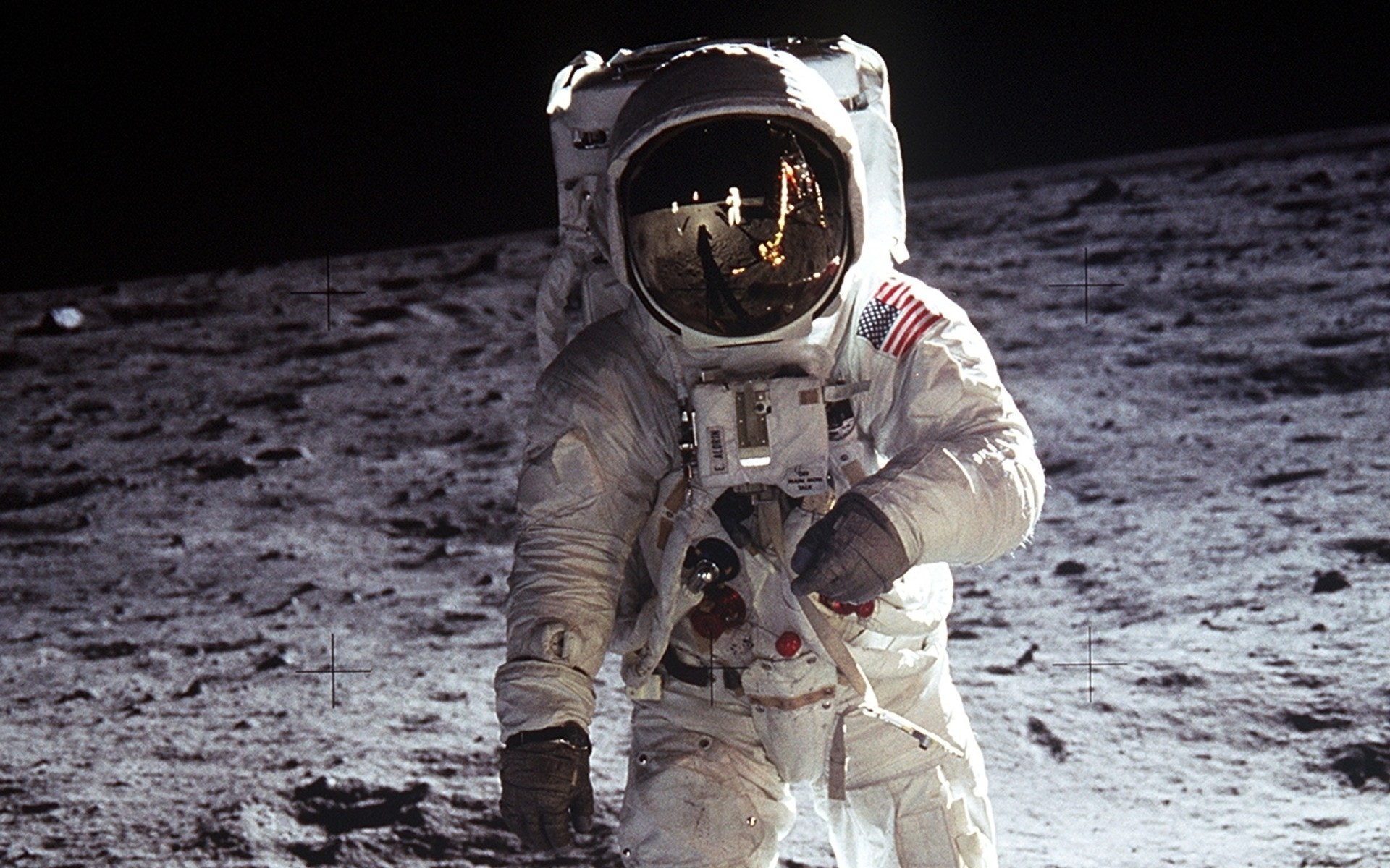 30673_space_mission_astronaut_on_the_moon