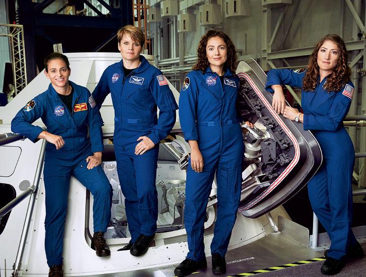 mars-astronauts-w724