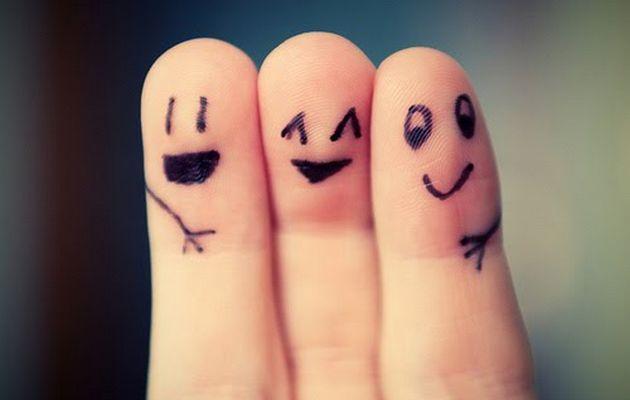 635950320798400622-1139784562_friends-fingers