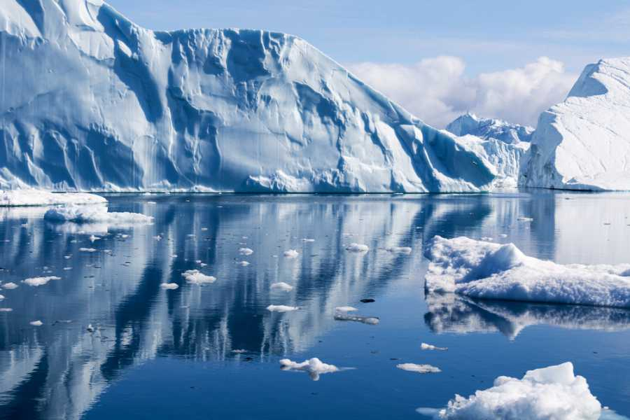 Под ледникот на Гренланд откриени 56 езера